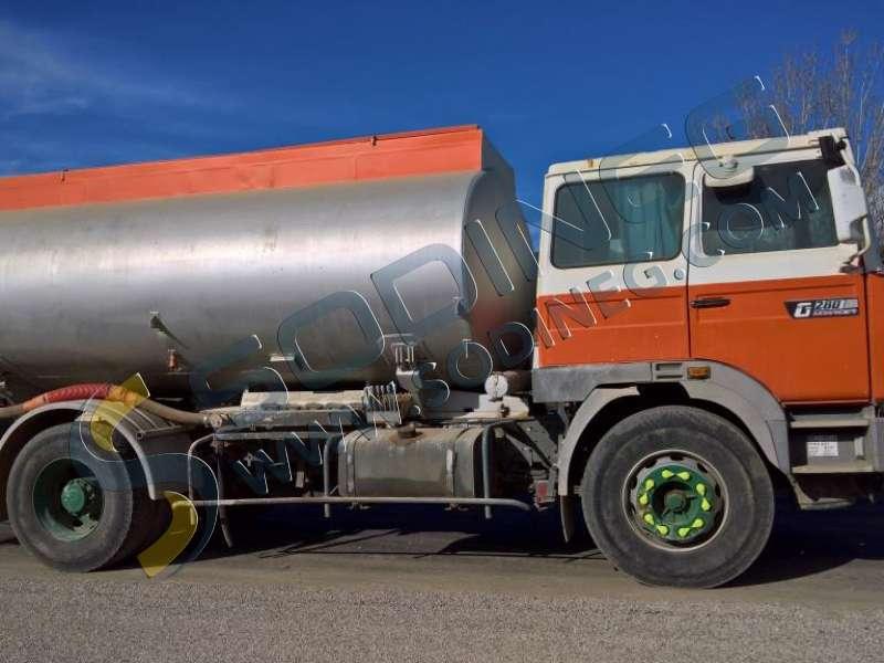 camion citerne renault g280 manager arroseuse citerne eau d 39 occasion camion citerne d. Black Bedroom Furniture Sets. Home Design Ideas