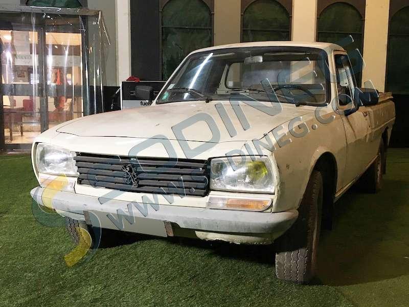 voitures de collection prestige peugeot pick up d 39 occasion voitures de collection prestige d. Black Bedroom Furniture Sets. Home Design Ideas