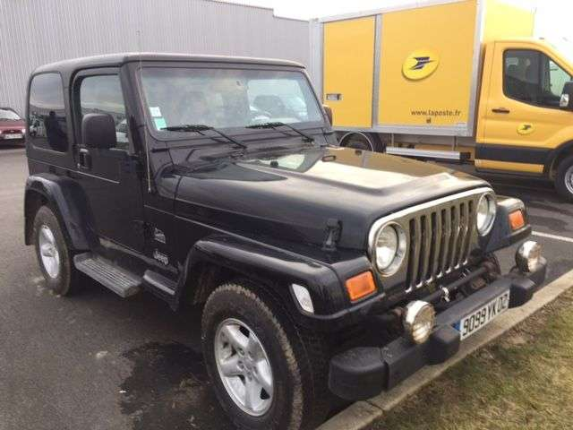 jeep wrangler 4 0 sport d 39 occasion voitures d 39 occasion sodineg france. Black Bedroom Furniture Sets. Home Design Ideas