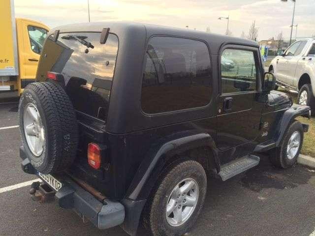 jeep wrangler 4 0 sport d 39 occasion voitures d 39 occasion sodineg france. Black Bedroom Furniture Sets. Home Design Ideas